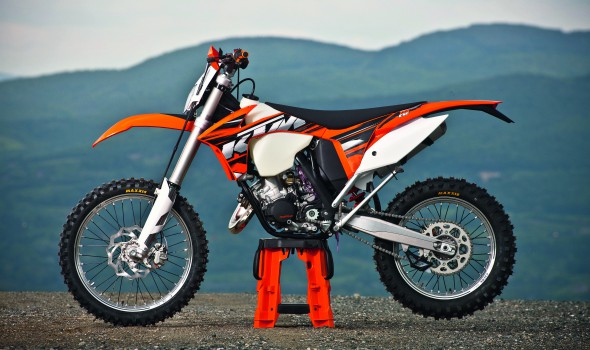 enduro magazine ktm 125 exc 2013 enduro magazine. Black Bedroom Furniture Sets. Home Design Ideas